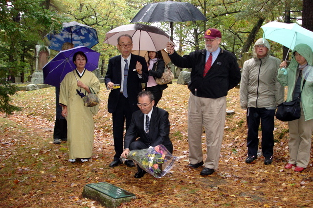 2005 A visit to the grave of William Wheeler in Concord